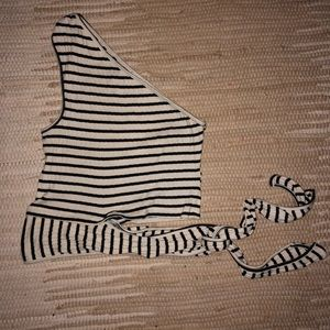 One shoulder Cropped top stripes